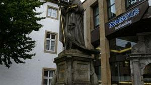 Only a handful of statues and buildings in Paderborn survived WWII.