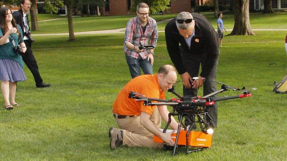 Hope College welcomes first frozen yogurt drone delivery