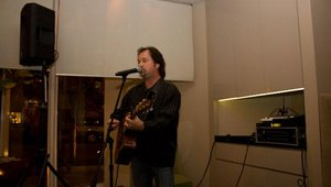 Larry Stewart, lead singer for Restless Heart, headlined the Summit's opening reception.