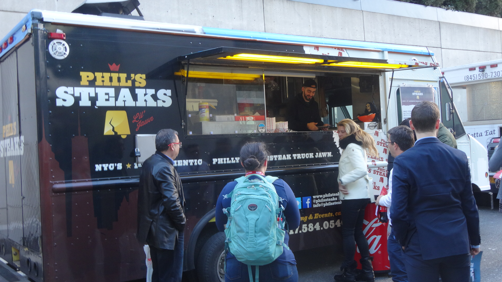 NRF convention attendees brave the cold for lunch at Food