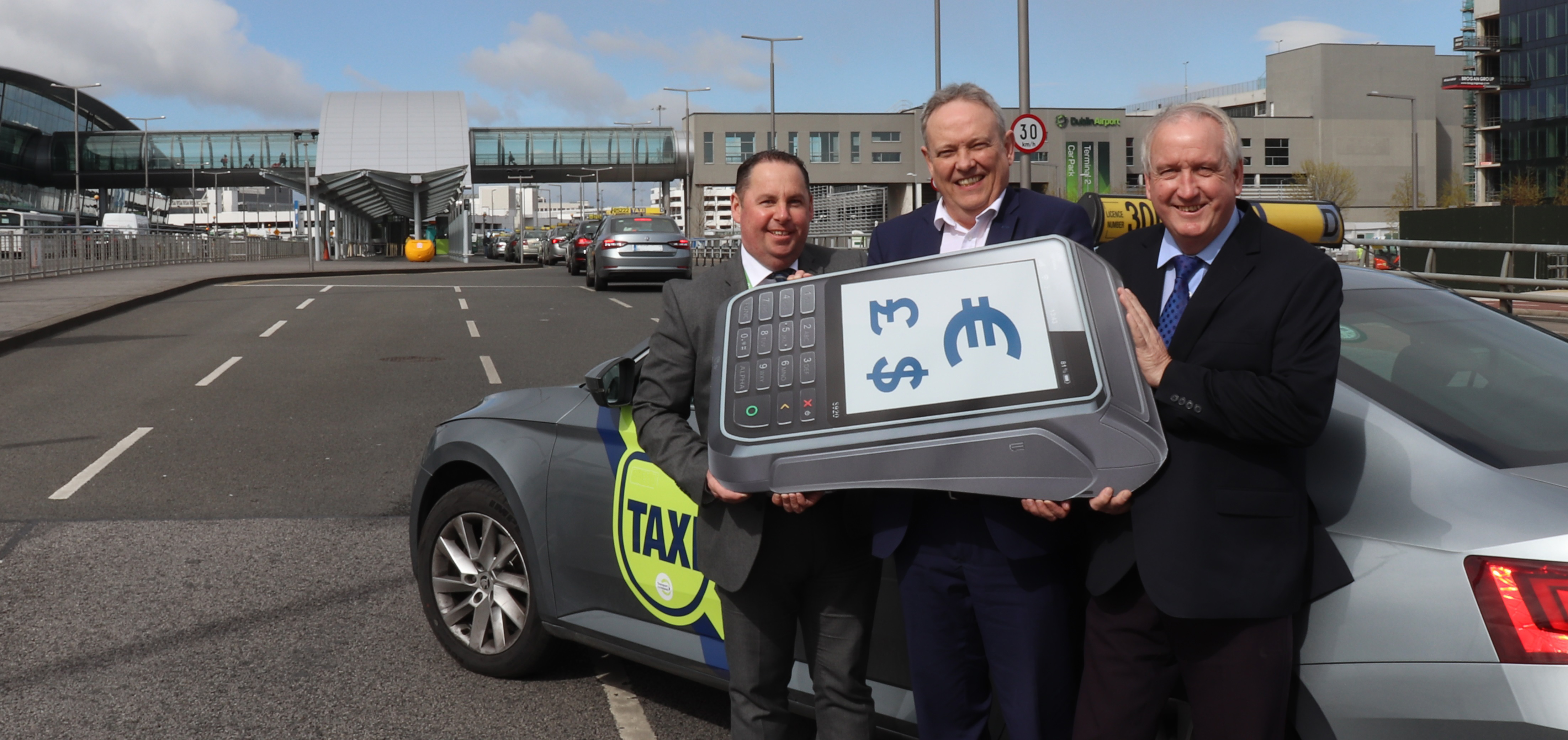 Dublin Airport taxis get cashless payment terminals from eComm