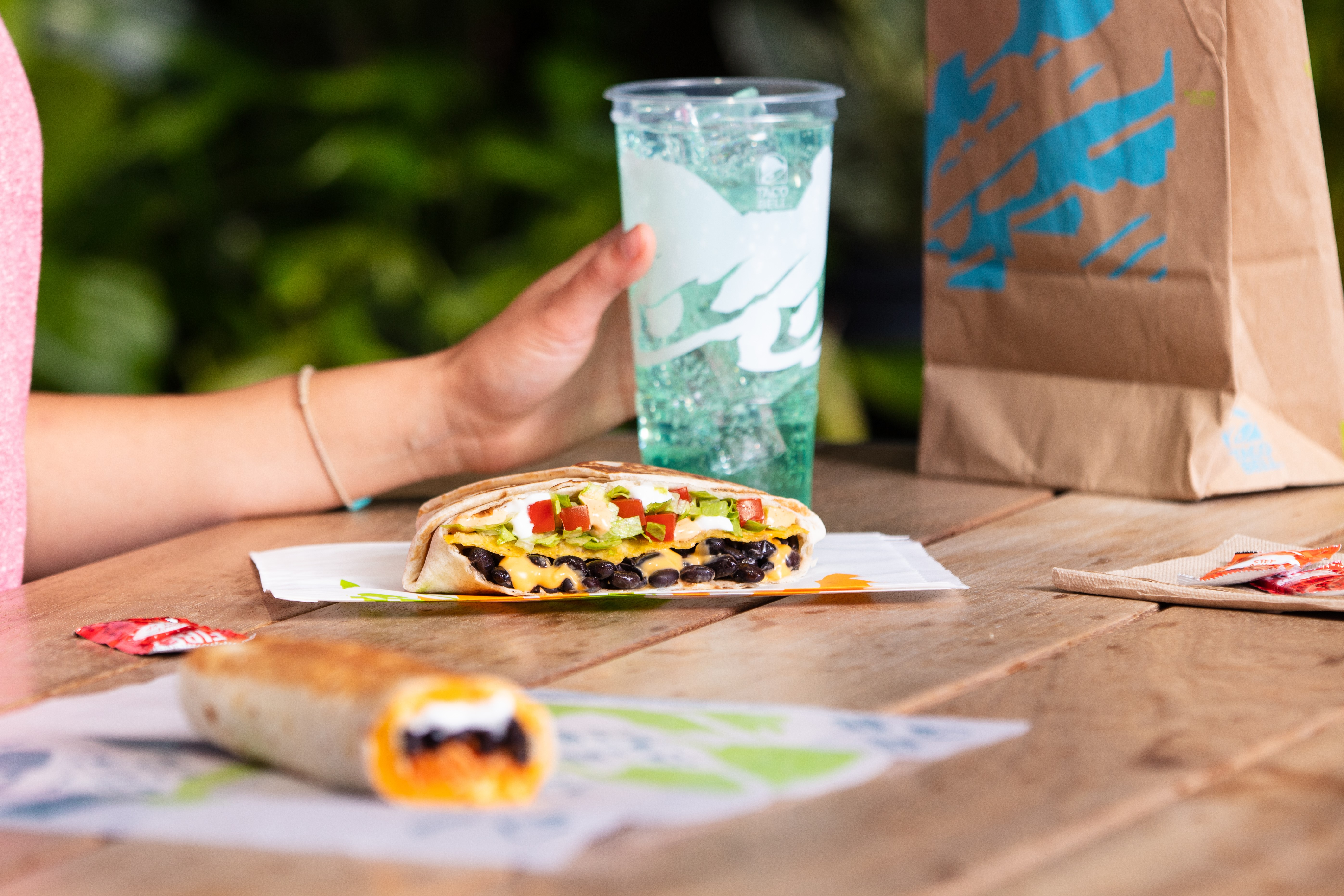Taco Bell to start offering $100,000 salary jobs at select restaurants