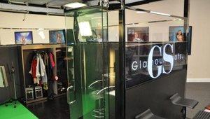 Glamour Shots' new mall kiosk format