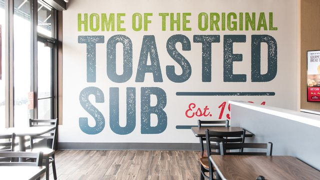 Quiznos tests new store design, menu in Wisconsin