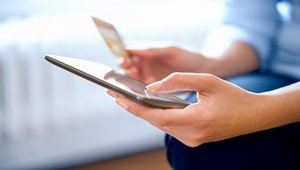 How loyalty programs can drive retailers, customers to embrace mobile payments