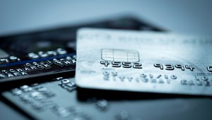 Want to increase mobile payments? Give consumers more control over their cards