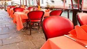 Successfully executing a cost-effective restaurant refresh