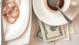 Infographic: Economic considerations of eliminating tips