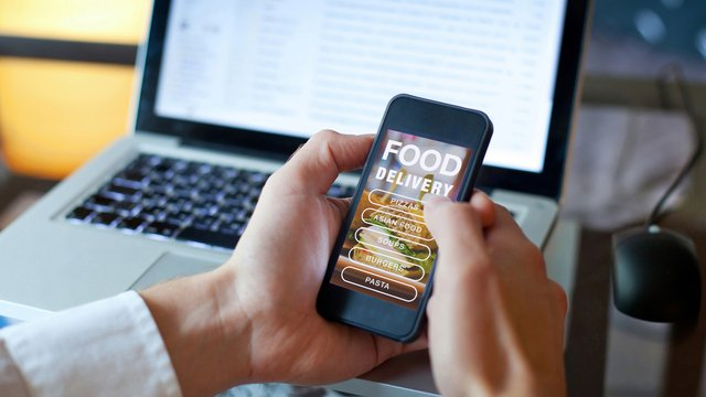What you need to know about the most popular food delivery apps