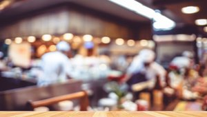 Restaurant industry tentatively embraces emerging mobile technology