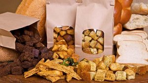 In addition to salad dressings, the restaurant also offers homemade croutons, which are baked in-store and sold daily. Crouton flavors include Herb Parmesan, Garlic, Wheat, and Pumpernickel.