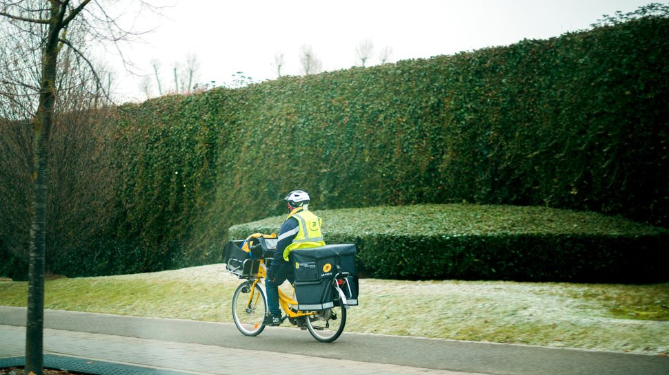 Go green AND go home: Postmates expands emissions-free deliveries