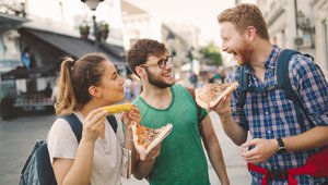 Study: Pizza brands have big opportunity in Gen Z travelers
