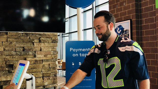 Super Bowl LIII and Tampa Bay Rays lead push for cashless concessions