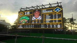 Digital signage helps salute the troops at pop-up stadium