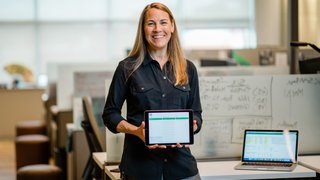 How Starbucks deployed  23,000 iPads for training