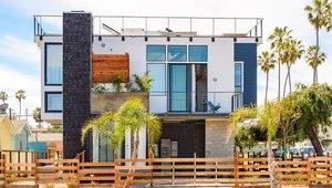 Tiny Modular Homes Win Industry Honor
