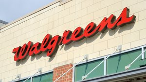 Walgreens first to integrate rewards into Apple Pay