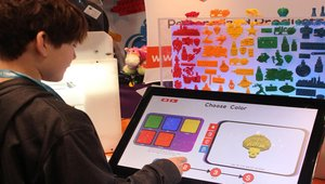Building toys with 3D printing kiosks