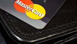 May mobile payments 5 for 5: Authentication, MasterCard Send, social media