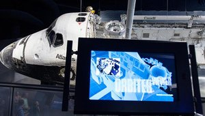 Digital signage explores the space shuttle for NASA