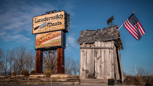 Laudermilch Meats upgrades static board with digital signage