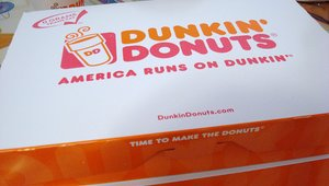 Dunkin' Donuts bakes in mobile ordering