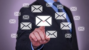 Email beats out social network tools in consumer communications