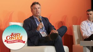 To stay or to grow? That was the question at Fast Casual Executive Summit