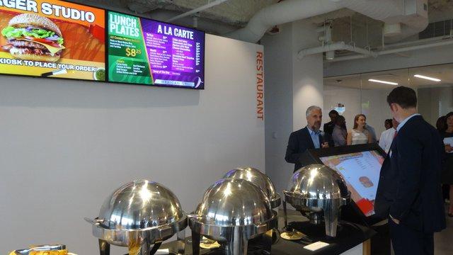 How digital media can improve restaurant productivity