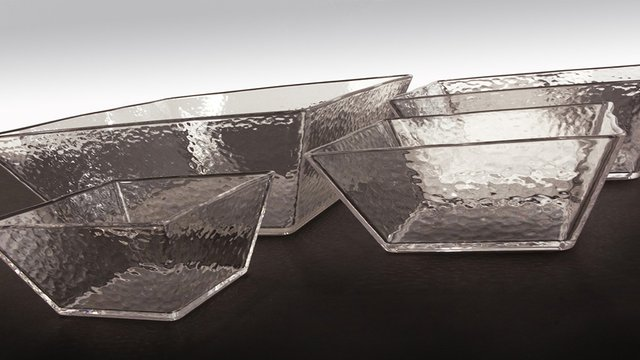 Textured Bowls and Platters Provide Crystal-Clear Product Presentation