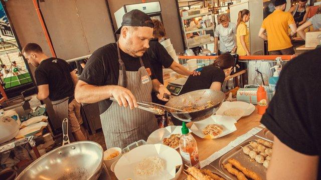 2 tough, techy kitchen challenges QSR operators must consider