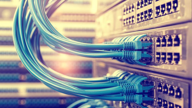 Power-over-ethernet lights up digital signage