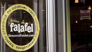 The first stop for group two was I Dream of Falafel, a fast casual restaurant with three locations. The restaurant was founded by partners Shoaib Aziz, Imram and Munaf Kasbati and Henry Nuguid.