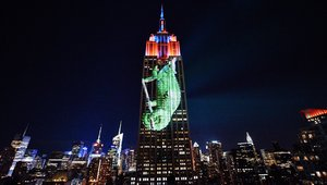 Digital signage sends 'call of the wild' at the Empire State Building