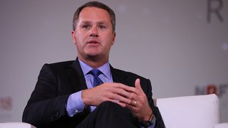 Walmart chief: Retail is about change, customer experience a team sport
