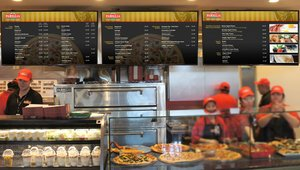Vancouver International Airport pizzeria now flying digital menu boards