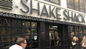 Why consumers didn't buy Shake Shack's cashless plan