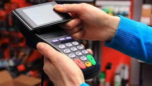 7 questions to ask in choosing a mobile payments solution