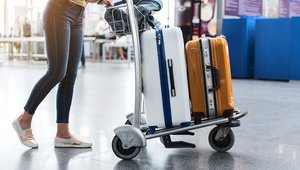 Travelers increasingly turn to digital payments over cash
