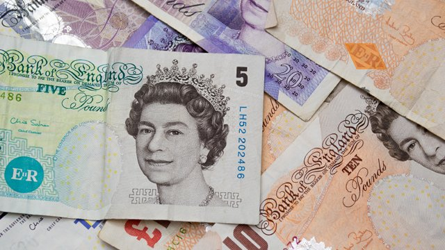 How the UK can benefit from a cashless society