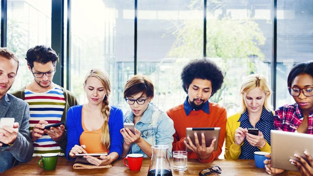 How digital signage can help you reach your millennial employees