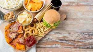 How digital signage can boost customer dwell time at restaurants