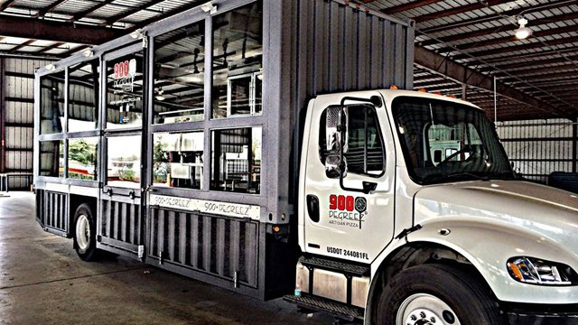 900 degreez redefines food truck to fill a west coast pizza void pizza marketplace. Black Bedroom Furniture Sets. Home Design Ideas
