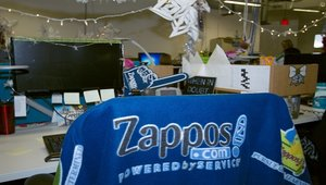 Zappos' Santa Claus feat leaves big shoes to fill