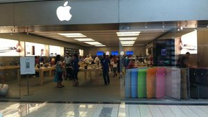 Apple stores add iPads to help shoppers