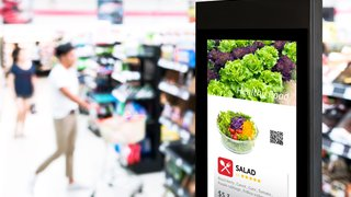 How can digital signage deliver better retail experiences  to lift sales?