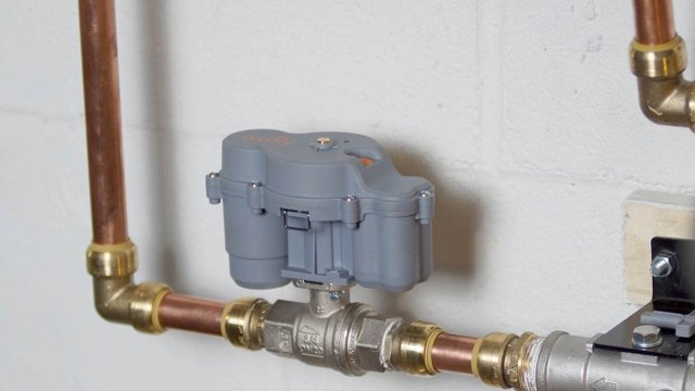 Stop Water Damage With Smart Shutoff Valve