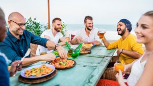 Post-hurricane, pizza restaurateurs help put normal back in communities