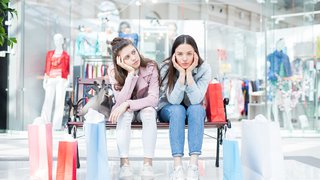 2 reasons customers don't care about your digital signage